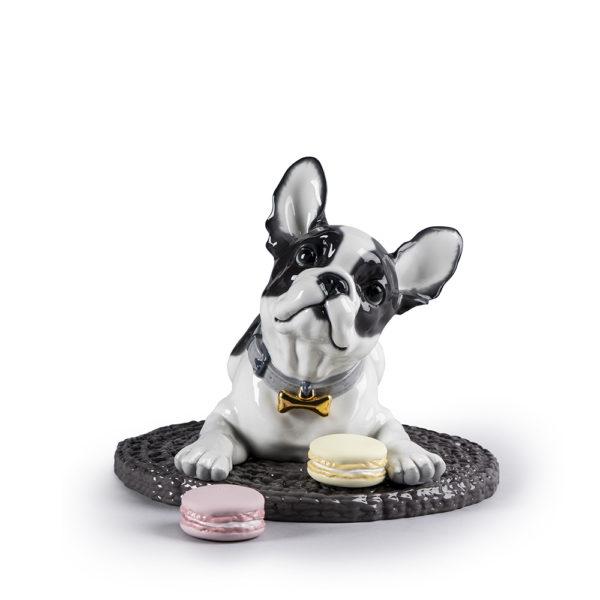 01009398 Bulldog francés con macarons de Lladró