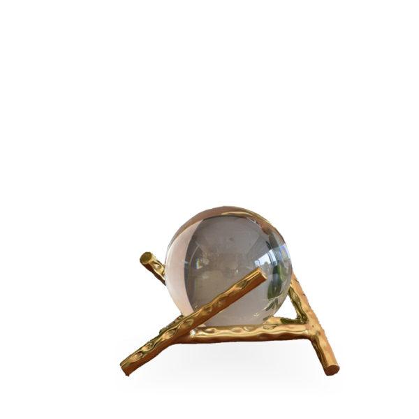 Bola de cristal baja con base dorada
