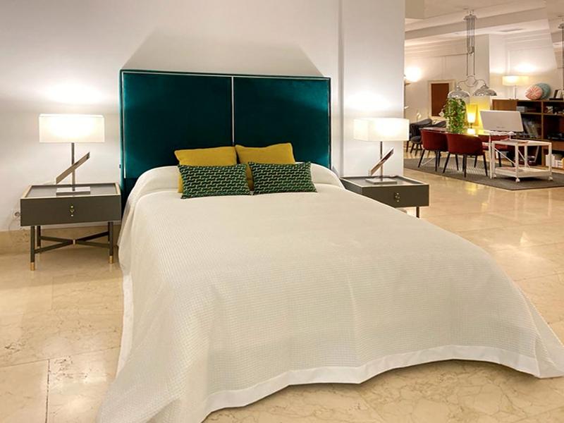 Un dormitorio muy verde