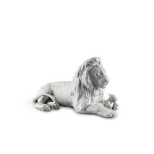 01009454 León con cachorro