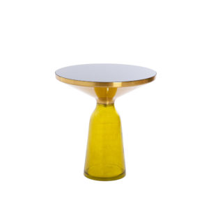 Mesa con tapa de latón y base de cristal amarillo